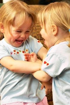 키 큰 여성 인공수정 쌍둥이 확률 높다