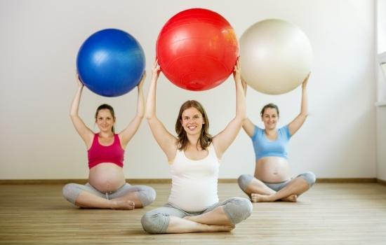 운동하는 임신부